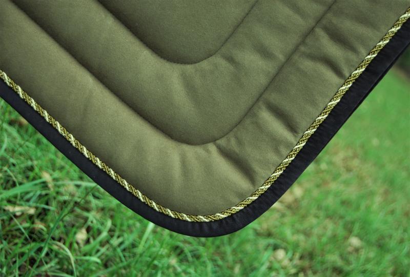 Dressurschabracke Protect oliv